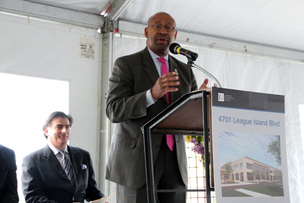Mayor Nutter at the WuXi AppTec groundbreaking