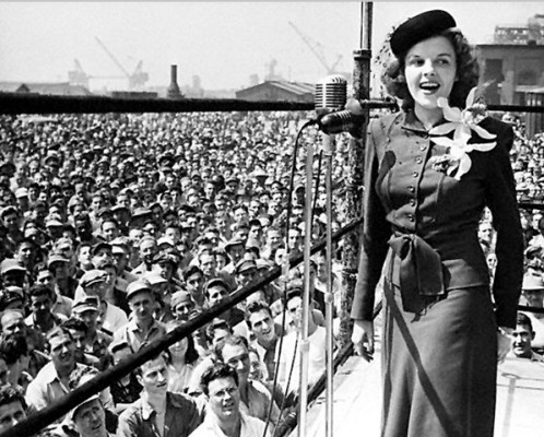 Judy Garland performing for civilian employees at the PNSY in 1944
